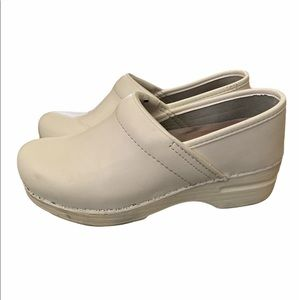 Dansko Professional Clog Leather shoes white 37